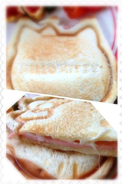 裏面には「Hello Kitty」の文字♥ 中身はマヨチーズハム( •ॢ◡-ॢ)-♡ - 109件のもぐもぐ - Hello kitty♥Ham&cheese Hot sandwichキティちゃんのハム&チーズホットサンド by honeybunnyb