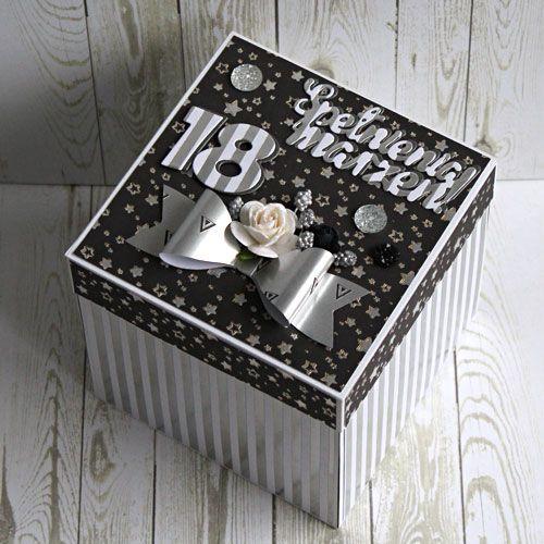 Pudełko - exploding box z życzeniami na osiemnastkę.