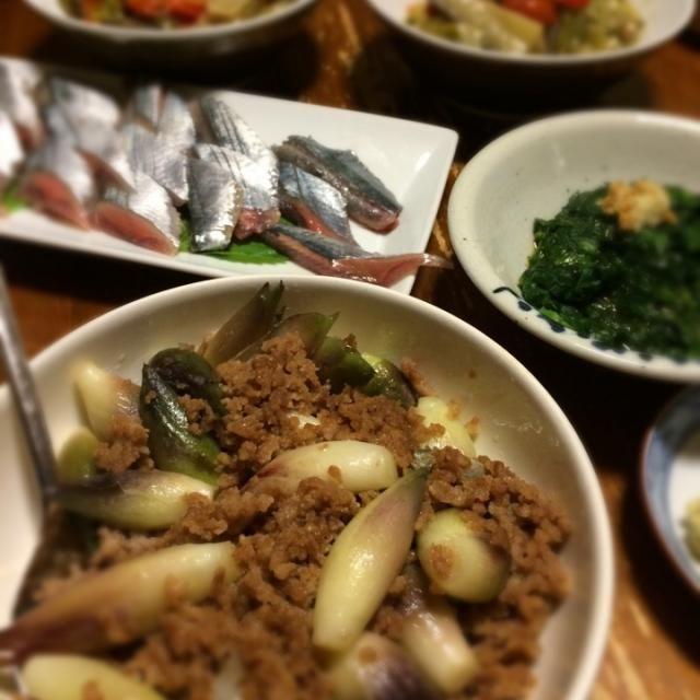 愛しのみょうがは炒めても美味しい。 - 11件のもぐもぐ - みょうがと挽肉炒め、秋刀魚刺身、モロヘイヤおひたし、ラタトゥイユ by raku_dar