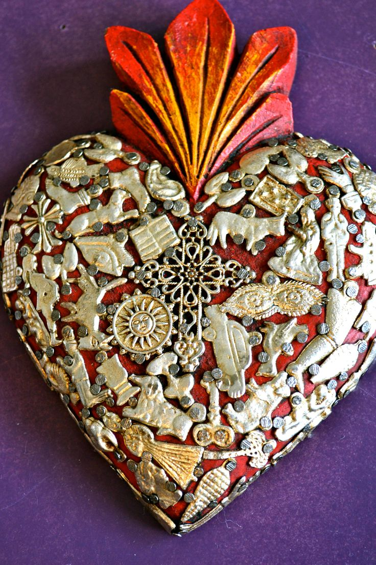 Mexican devotional art: the sacred heart. ©Mexico Import Arts