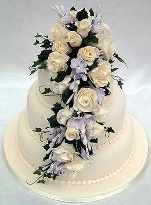 pink vintage look wedding cake | vintage wedding ideas and theme | Sangmaestro