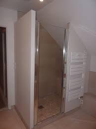 Salle de bain sous pente