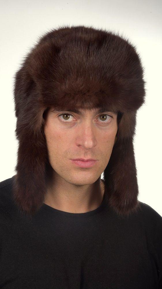 Cappello in zibellino naturale marrone-bruno, cappello in stile Russo, unisex, ideale per uomo e donna. Confezionato artigianalmente in Italia con le migliori pelli di zibellino.  www.amifur.it