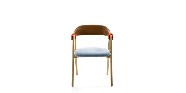 Base is oak or ash. Seat and back are flame-retardant polyurethane foam in varied densities. Alternative version is available with raffia-wrapped backrest and upholstered seat. Armbands are fabric or leather fixed to the structure. Mathilda, codes 09V and 977 is stackable up to 3 pcs. Mathilda covers are not removable.