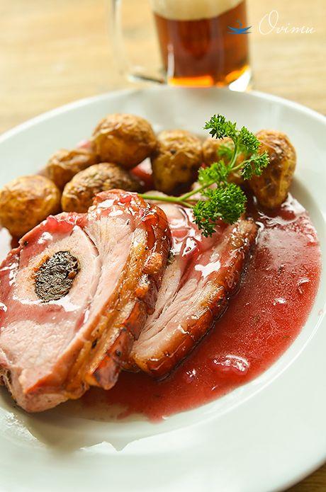Такое блюдо можно встретить в кухне многих стран, там где едят свинину. Мне особенно нравится в китайской и немецкой кухне. Очень ярко выражено это блюдо в…