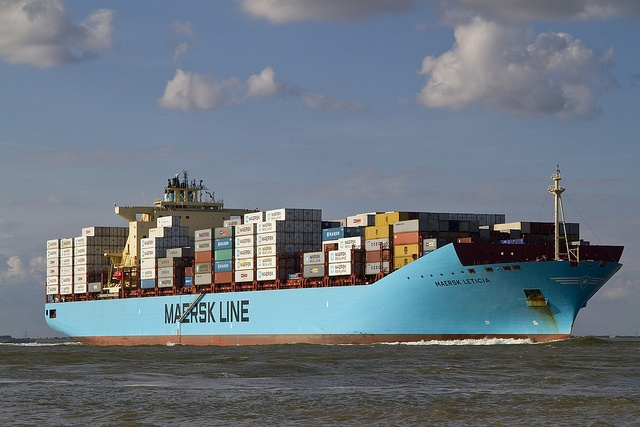 Maersk Leticia by angelovlassenrood, via Flickr
