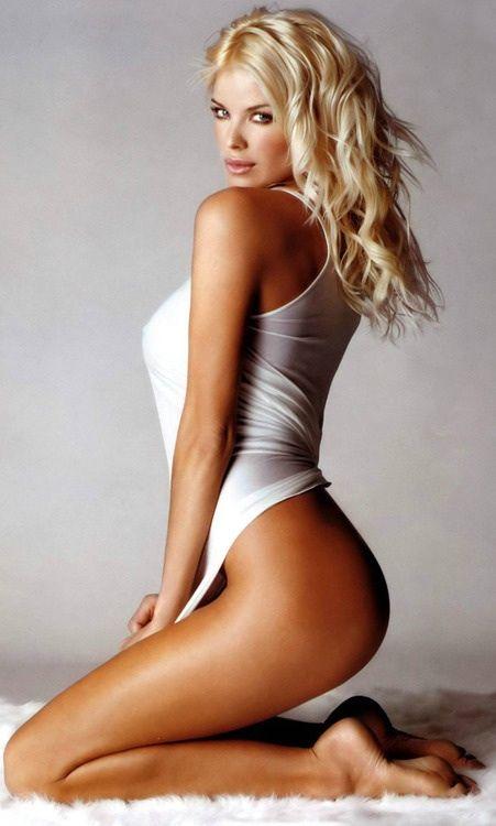 Damn! -- for more sexy women photography, visit board http://pinterest.com/davidos193/beautiful-photography/
