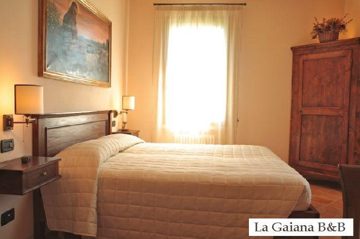 this is a picture as an example of our rooms, rustic and elegant rooms, each with private bath. www.lagaianabeb.it