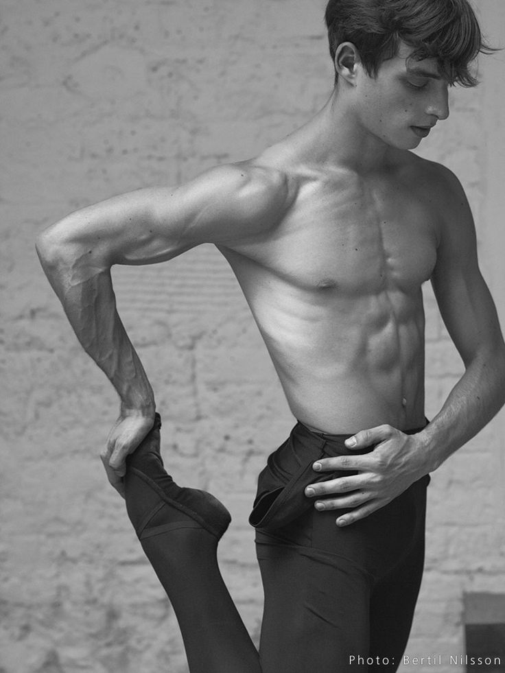 Sander Blommaert, 2011 by Bertil Nilsson ♥ Wonderful! www.thewonderfulworldofdance.com #ballet #dance