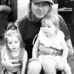 Michael Lockwood with twin daughter's Finley and Harper