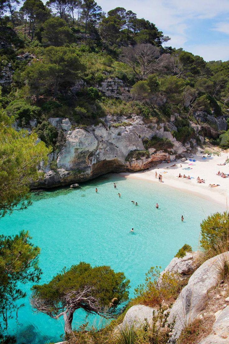 Las mejores calas de Baleares: abiertas desde el amanecer - Cala Mitjana (Menorca) | Galería de fotos 16 de 42 | Traveler