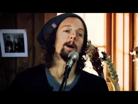 """""""93 Million Miles""""- Jason Mraz, Daryl Hall (Live From Daryl's House - Episode 55) Beautiful song. <3"""