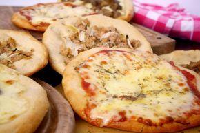 Ecco per voi una bella pizza tonda croccante...sì, esatto, proprio come quella della pizzeria! E' chiaro che in pizzeria hanno tutta l'attrezzatura, forno