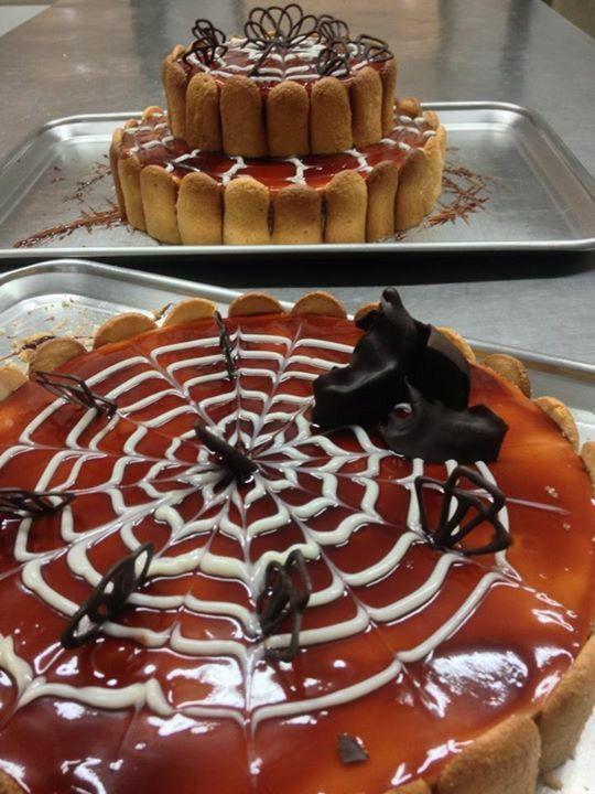 Cakes with panacota and caramel cream.