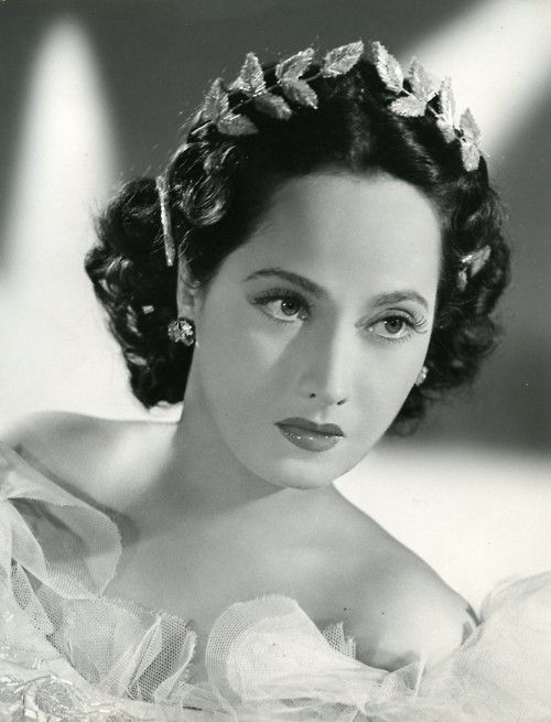 Merle Oberon the unforgettable Cathy in Wuthering Heights