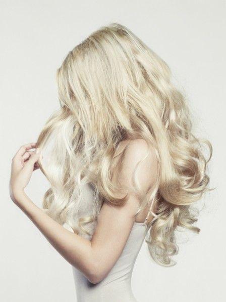 Das Rating der Vitamine für das Haar gegen den Vorfall