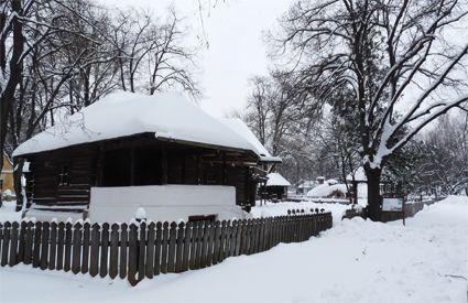 Musée Village de Bucarest sous la neige