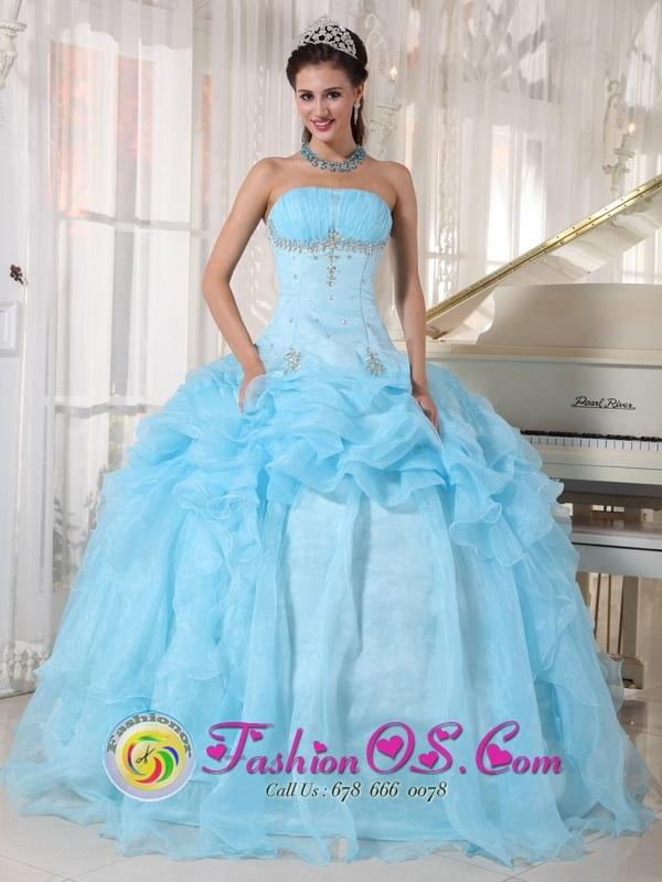 6f1a0fb37f1 c40292de8f972cc690b3ad419073fe92--blue-quinceanera-dresses-quinceanera- dresses-websites.jpg