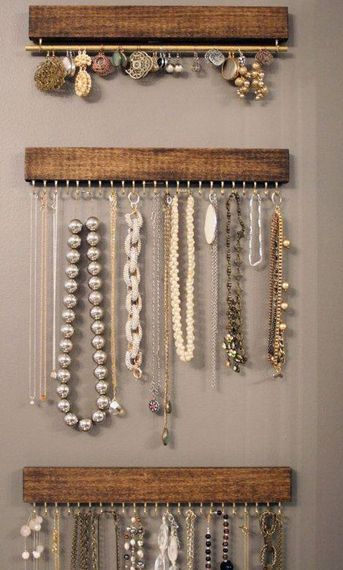 With a multitude of beautiful handmade jewelry to wear, finding the right jewelry display idea to store them at is equally important to enjoying your pieces anytime you want. No matter the size of your storage area, here is a …