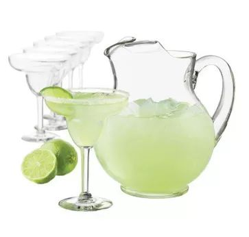 The Best Skinny Beer Margaritas....Grab a pitcher and get ready to make the most incredible margaritas you've ever had at home! Each has 229 calories, 0 fat & 5 Weight Watchers POINTS PLUS. http://www.skinnykitchen.com/recipes/the-best-skinny-beer-margaritas/
