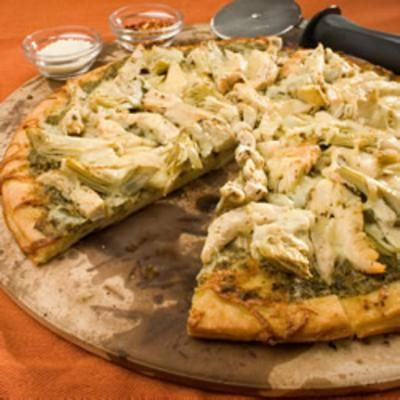 Chicken Pesto Pizza: Pesto Chicken, Dinners Recipe, Food, Artichokes Heart, Chicken Pesto Pizza, Pizza Recipes, Chicken Pizza, Chickenpestopizza, Drinks