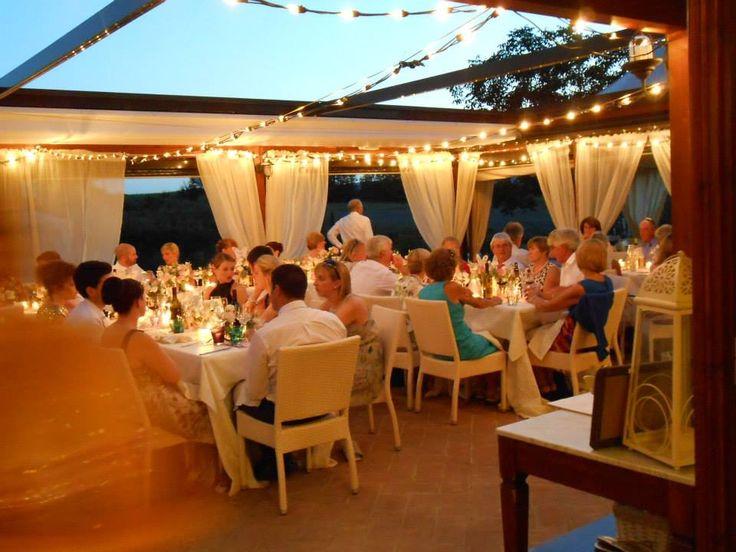 Un Matrimonio di Sera all'agriturismo ristorante romantico Taverna di Bibbiano, agriturismo tra Siena e San Gimignano, colle di Val d'Elsa e a soli 45 minuti da Firenze.