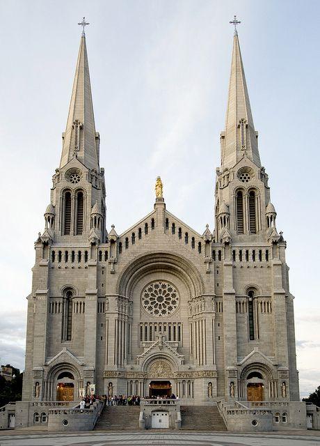 Basilica of Sainte-Anne-de-Beaupré, Quebec, Canada (by Krumdrick).
