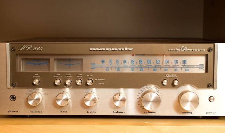 #Marantz MR215    14990.00    #Tuning range: FM, MW  Power output: 21 watts per channel into 8Ω (stereo)  Frequency response: 18Hz to 30kHz  Total harmonic distortion: 0.1%  Damping factor: 42  Input sensitivity: 2.8mV (MM), 180mV (line)  Signal to noise ratio: 72dB (MM), 80dB (line)  Output: 500mV (line)  Semiconductors: 5 x IC, 29 x transistors, 19 x diodes, 1 x FET  Dimensions: 440 x 137 x 358mm  Weight: 9kg         Подробней…