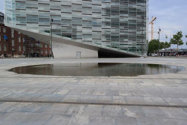 HAVEHJERNEN: Om at hente himlen ned - spejlbasiner Nykredit in Copenhagen