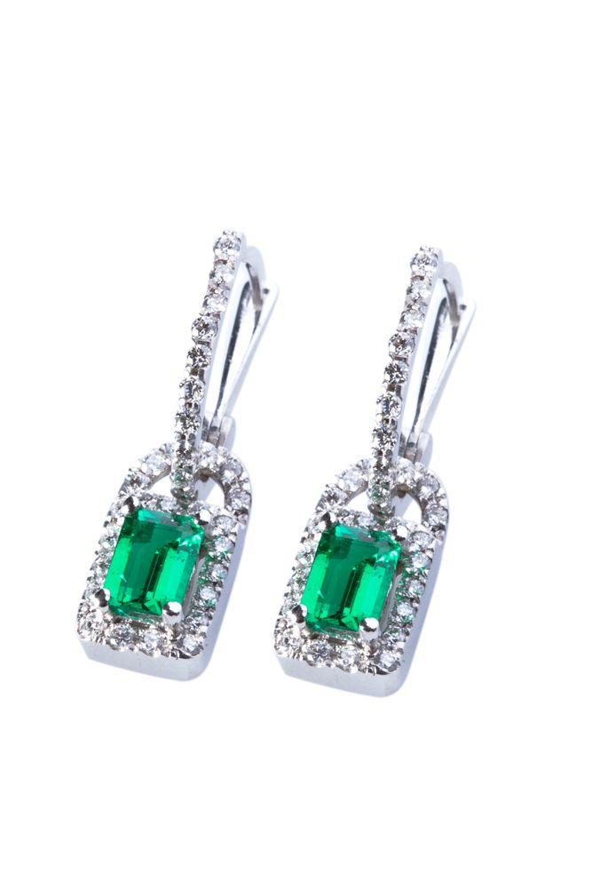 Aretes elaborados en Esmeralda, Diamantes y Oro Blanco #jewellery #earrings #gold #luxury #diamonds #emeralds