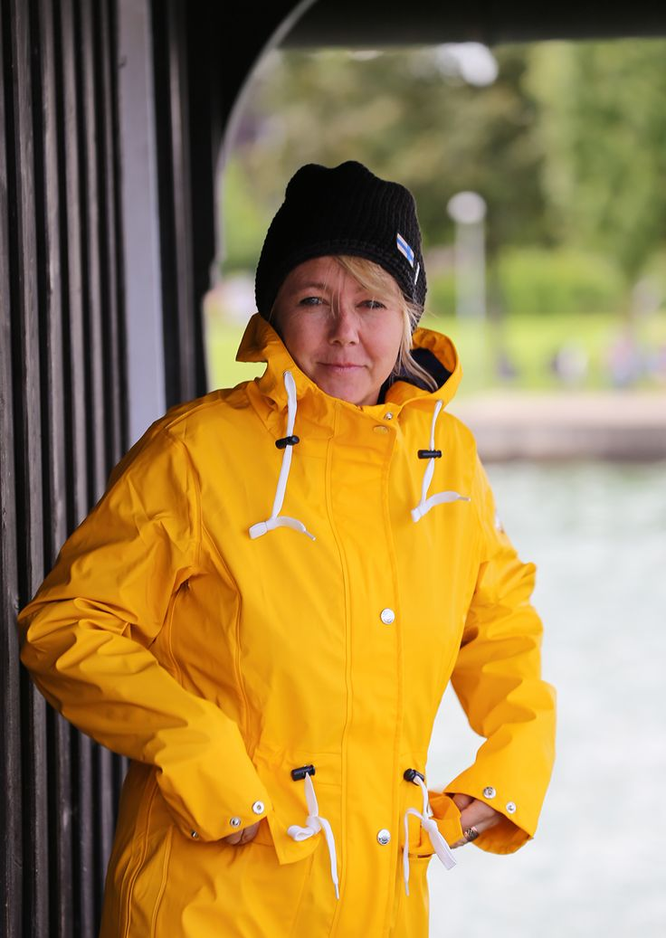 1000 Ideas About Ladies Raincoats On Pinterest Yellow