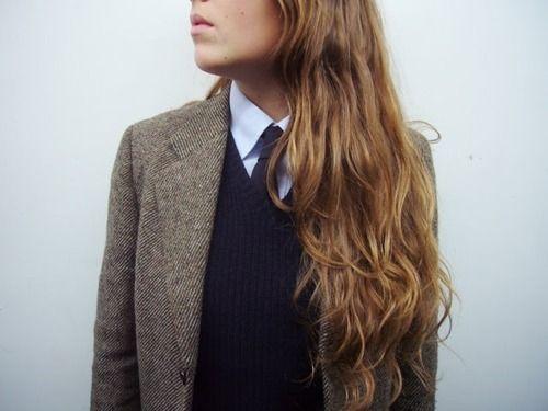 the 3-piece suit: tweed blazer, wool v-neck and tie.