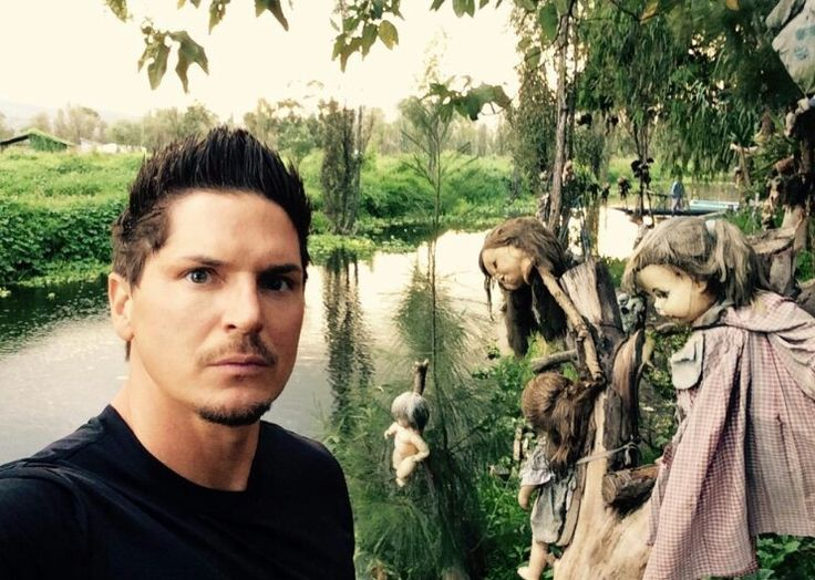 Zak Bagans - Island of the dolls. Mexico 2014.