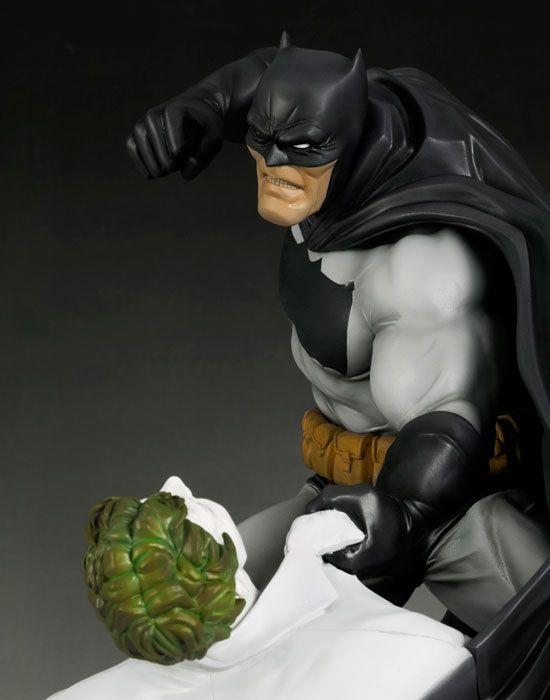 BATMAN ARTFX バットマン ダークナイト・リターンズ -HUNT THE DARK KNIGHT- | フィギュア | KOTOBUKIYA
