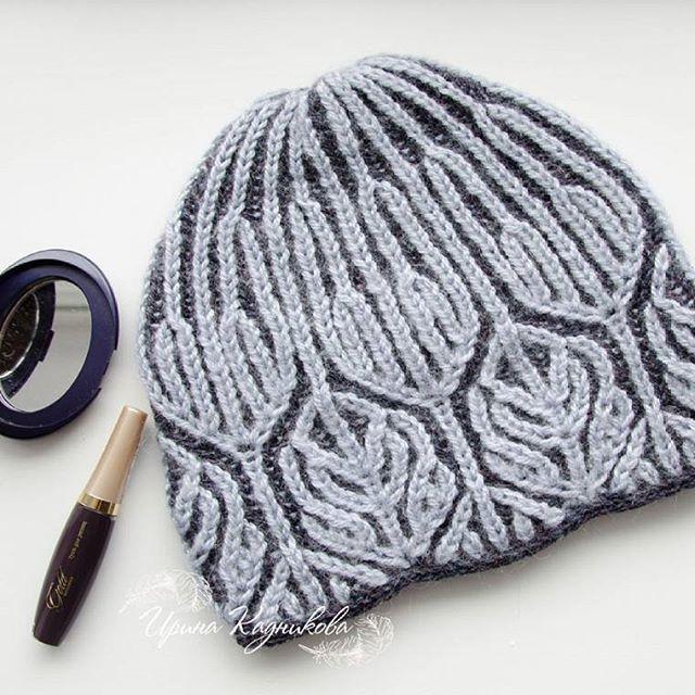 Очередная #теплаяшапка , думаю, последняя в этом сезоне, ведь нужно начинать к весне готовиться, связана в технике #бриошь . . #вяжу #люблювязать #шапка #шапочка