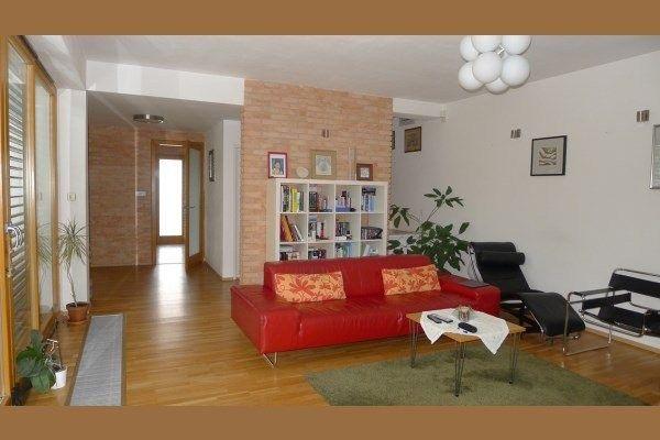 Дом на продажу, пригород Братиславы, Дунайска Лужня, Словакия.
