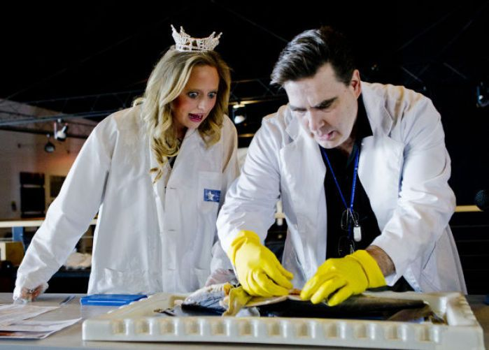 Miss Nebraska dissects a shark to promote science education : Lincoln, NE Journal Star