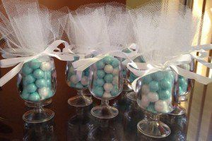 Mesas baby showers and showers on pinterest - Centros de mesa con peceras ...