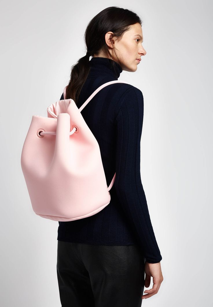 Embee is a berlin based label, standing for minimalist design as well as useful and high quality material. The cool neoprene bags will highlight any of your outfits and give you enough space for everything you need.  #lalaberlin #lalaloves #lala #berlin #embee #backpack #brandswelove