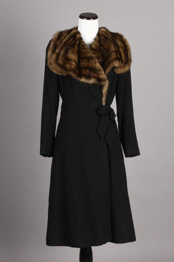 S/M 40s Vintage Saks Fifth Avenue Black Wool Coat w/ Mink Fur Collar. A beautiful vintage coat! $225 via eBay