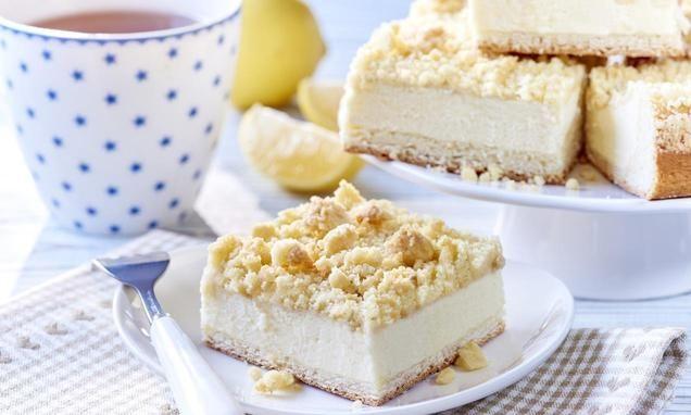 Ciasto drożdżowe z białym serem i kruszonką