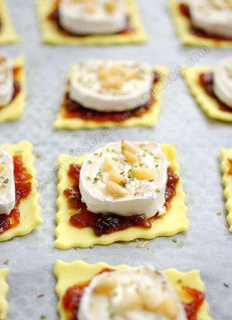 Tartelettes chèvre-oignons-pignons