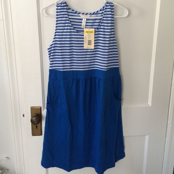 Striped maternity pocket dress Brand new never worn blue and white maternity dress with pockets. Very comfortable cotton/spandex material. Three Seasons Dresses Mini