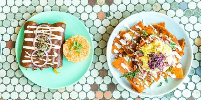Whether You D Like To Find The Best Vegan Restaurant In Your Hometown Or Are A Vegan Lookin Vegan Friendly Restaurants Vegan Restaurants Best Vegan Restaurants