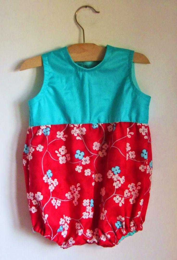 Baby rompers pattern: http://www.lasciarpachecanta.it/2015/04/cartamodello-pagliaccetto-3-mesi.html