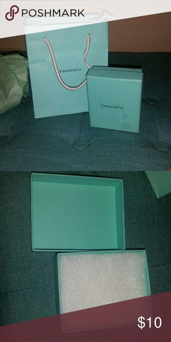 Tiffany Bag and Box Comes with 1 Tiffany shopping bag and 1 Tiffany jewelry box Tiffany & Co. Jewelry Necklaces