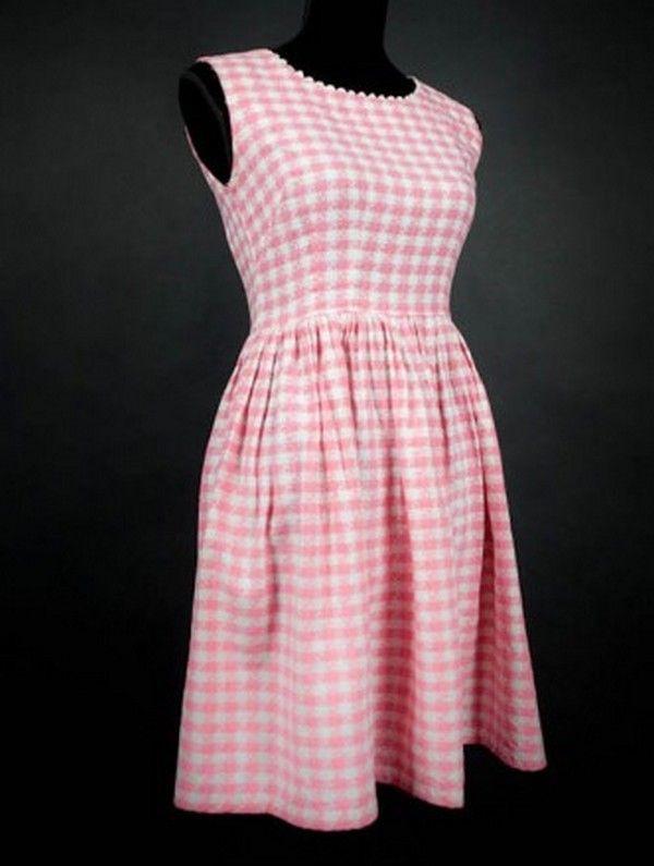 """Petite robe des années 60 en """"carreaux Vichy"""" comme la robe de mariée de BB"""