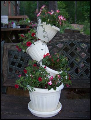 Tipsy pot tutorial- uses lighter weight plastic pots- going to try this!