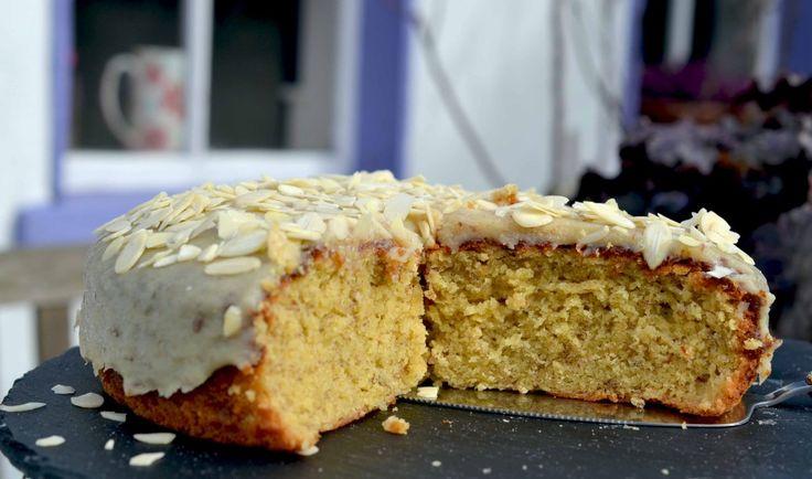 banana caramel and almond cake