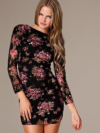 Rosalie Lace Dress - Club L - Zwart/Roze - Feestjurken - Kleding - Vrouw - Nelly.com